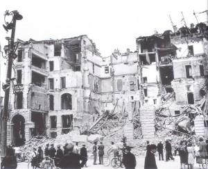 Incursione del 13 luglio 1943, piazza Castello. © Archivio Storico AMMA