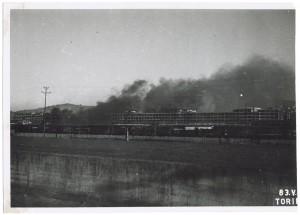 Via Nizza, stabilimento FIAT Lingotto. Effetti prodotti dai bombardamenti dell'incursione aerea del 1° dicembre 1943. UPA 4216_9E04-41. © Archivio Storico della Città di Torino/Archivio Storico Vigili del Fuoco
