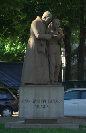 Monumento a don Giuseppe Cafasso