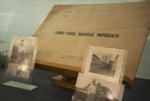 Una vetrina della mostra