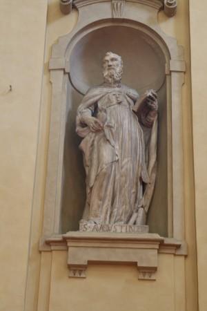 Ignoto scultore piemontese, Sant'Agostino, 1753, scultura in stucco nel coro della chiesa di Santa Croce. Fotografia di Francesca Romana Gaja, 2011-2012
