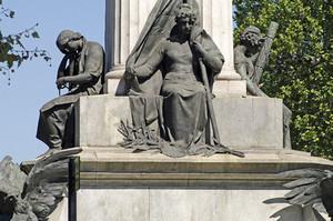 Pietro Costa, Monumento a Vittorio Emanuele II (particolare delle statue rappresentanti la Pace, la Libertà e l'Indipendenza), 1882-1899. Fotografia di Dario Lanzardo, 2010. © MuseoTorino.