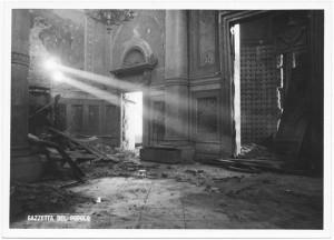 Chiesa di San Gioacchino, Corso Giulio Cesare angolo Via Vittorio Amedeo Cignaroli 3. Effetti prodotti dai bombardamenti dell'incursione aerea dell'8-9 dicembre 1942. UPA 2755D_9C06-05. © Archivio Storico della Città di Torino