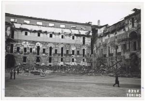 Via Arsenale 22, Scuola Applicazione Artiglieria e Genio. Effetti prodotti dai bombardamenti dell'incursione aerea del 13 luglio 1943. UPA 3610_9D06-56. © Archivio Storico della Città di Torino