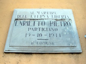 Lapide dedicata a Enrietto Pietro ( 1920 - 1944)