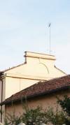 Particolare di un elemento architettonico della cascina Morozzo. Fotografia di Edoardo Vigo, 2012.