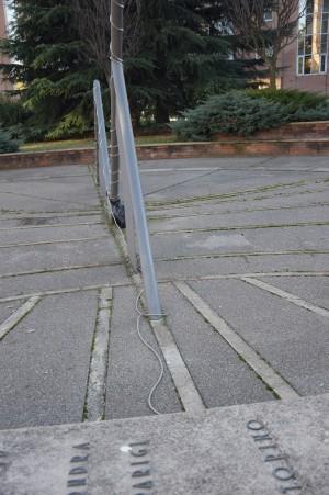 Orologio solare, centro residenziale Le Meridiane