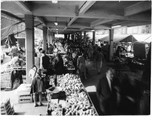 Mercato di via Madama Cristina © Archivio Storico della Città di Torino (ASCT, Fototeca, 12B16_095)