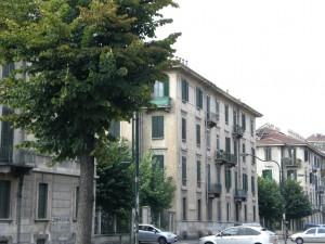 Veduta del 14° quartiere IACP su corso Racconigi. Fotografia di Maria D'Amuri, 2011.