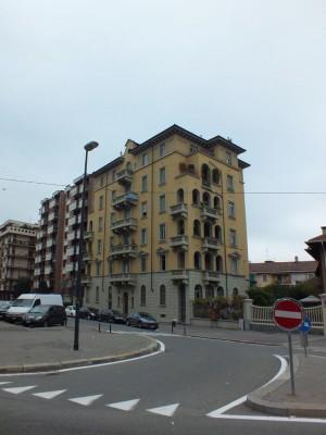 Edificio di civile abitazione in via Luigi Cibrario 112
