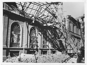 Corso Palestro 1 bis. Biblioteca Civica. Effetti prodotti dai bombardamenti dell'incursione aerea dell'8 agosto 1943. UPA 3803D_9E02-15. © Archivio Storico della Città di Torino/Archivio Storico Vigili del Fuoco