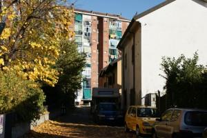 Strada delle Maddalene, le case di fine Ottocento poste sulla via che porta al Regio Parco. Fotografia Giuseppe Beraudo, 2009