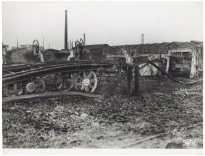 Via Rivalta 61. Stabilimento FIAT - Sezione Materiale Ferroviario. Effetti prodotti dal bombardamento dell'incursione aerea del 20-21 novembre 1942. UPA 2065_9B05-28. © Archivio Storico della Città di Torino