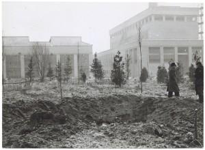 Corso Giovanni Agnelli. Fiat Mirafiori. Effetti prodotti dai bombardamenti del 4-5 dicembre 1940. UPA 0932D_9A01-57. © Archivio Storico della Città di Torino