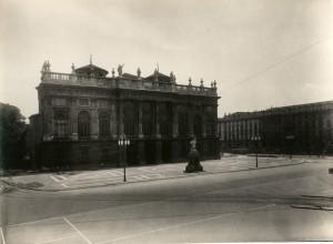 Palazzo Madama. Fotografia di Mario Gabinio, 1925 ca. © Fondazione Torino Musei - Archivio fotografico.