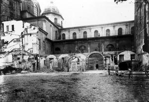 Resti del chiostro di San Salvatore durante le demolizioni di fine Ottocento. © Soprintendenza per i Beni Archeologici del Piemonte e del Museo Antichità Egizie