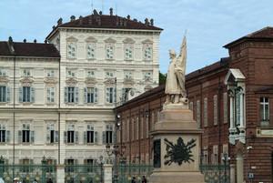 Vincenzo Vela, Monumento all'Alfiere dell'Esercito Sardo, 1856. Fotografia di Fabrizia Di Rovasenda, 2010. © MuseoTorino.